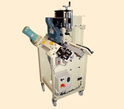 2軸V型頂天・糊取加工機 CNV2型